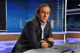 Michel Platini: kohtunikuga vaidlemise eest võiks anda valge kaardi