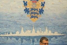 Reformierakond algatab Savisaare suhtes umbusalduse punalipu sümboolika kasutamise pärast