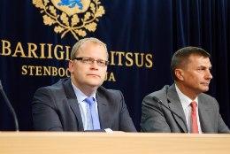 KINNITAS: Urmas Paet loobub välisministri kohast ja läheb europarlamenti