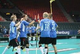 REPORTAAŽ JA GALERII | Eesti põrmustas saalihoki MMil Slovakkia ja jõudis veerandfinaali!