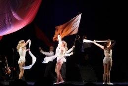GALERII: Rakvere teatris esietendus muusikaline lavastus Uno Loobist