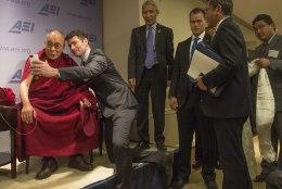 Barack Obama kohtub dalai-laamaga