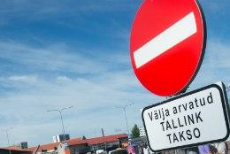 Mupo ja politsei kutsusid sadamas taksojuhte korrale