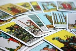 TAROSKOOP: mida lubavad kaardid Kaksikule ja Vähile järgmiseks kuuks ajaks?