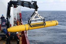 Tagasilöök: Malaisia lennukit otsiv allveeliikur tuli sügavuslimiidi tõttu pinnale