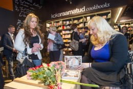 GALERII: Eesti kuulsuste lood emadest pandi kaante vahele