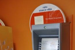 Pahane klient: kui mina pangale võlgu jään, on kohe trahvid seljas, kui pank mulle, siis on aega küll!