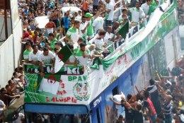 FOTOD JA VIDEO: Alžeeria tervitas kodumaale naasnud kangelasi