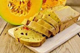RETSEPT | Tervislik ja vürtsine kõrvitsaleib speltajahust