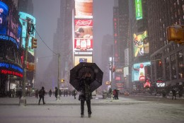 GALERII: New Yorgis möllab lumetorm