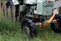 Töötava mootoriga ratastraktori juurest leiti mees surnuna