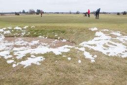 ÕHTULEHE VIDEO ja GALERII | Tõelised entusiastid: lumi on vaevalt sulanud ja golfifännid pidasid juba aasta avavõistluse