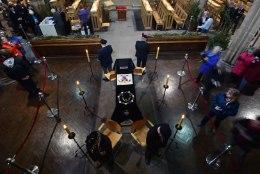 GALERII: britid kogunevad kuningas  Richard III ärasaatmisele