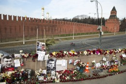 Vandaalid laastasid Boriss Nemtsovi mõrvapaika
