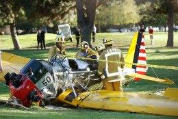 Harrison Ford tegi oma vintage-lennukiga järsu hädamaandumise ja sai viga