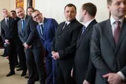 Uus koalitsioon lubab turvalist ja väärikat elu