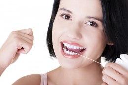 Hambaniiti kasuta enne hammaste harjamist