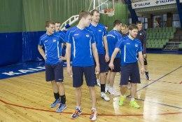 Võrkpallikoondise eesmärgid mängudeks Šveitsiga: harjuda saaliga ja lihvida kokkumängu