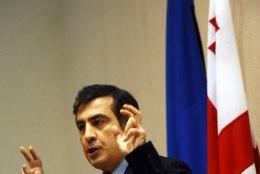 Saakašvili mõtleb Gruusiasse minekule