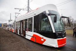 Võidupühaks on 3. liin kaetud uute trammidega