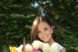 GALERII | Palju kallistusi ja lilli... Kooli lõpetas ka superstaarisaate Gertu Pabbo