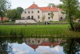Eestis on säilinud 414 mõisa peahoonet, mis kõik on vaatamisväärsused