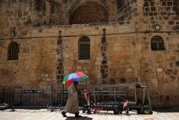 Restaureerijad avasid Jeruusalemmas Jeesuse hauakambri