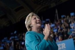 FBI vabastas Clintoni e-kirjade asjus süüdistustest