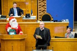 Jõuluvana soovitus riigikogule: Edaspidi võiksite võtta kobarvaheaegu!