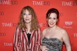 Woody Alleni kasutütar, kes süüdistas lavastajat pilastamises, ootab last