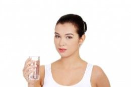 Viis fakti, kuidas vesi sind tervena hoiab