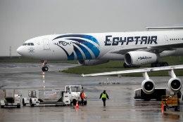 KOKKUSATTUMUS VÕI ETTEKUULUTUS? Egiptuse reisilennuki stjuardess postitas Facebooki kõhedusttekitava foto