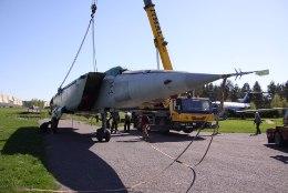 GALERII | Haruldane Vene hävituslennuk jõudis lennundusmuuseumisse