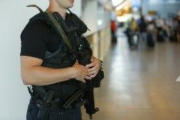 FOTOD LENNUJAAMAST | Kaitsepolitsei uurib Eesti-Saksa lendudele tehtud pommiähvardust