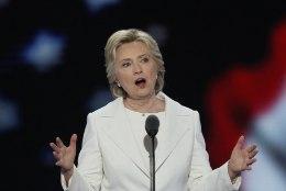Clinton siunab Trumpi: kas tahate presidendiks meest, keda saab vaid säutsuga närvi ajada?