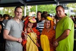 GALERII | Lustakad kostüümid, tivoli ja palju head muusikat ehk Weekendi esimene päev