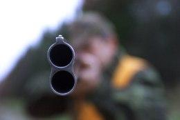 Linnu-uurijad mures: tuhanded jahituristid suunduvad sügiseti Eestisse veelindude tapatalguid pidama