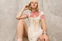 Modell sai raseerimata jalgadega poseerimise eest vägistamisähvardusi