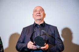 GALERII | Pimedate Ööde filmifestivali elutööauhinna laureaat on Tõnu Kark