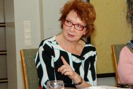 Yana Toom | Riigikogu väiksemaks ja saadikuile abilised