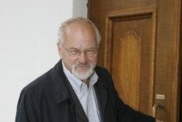 Suri poliitik ja akadeemik Peeter Tulviste