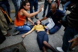 Rahutused Venezuelas: märulipolitsei võttis kasutusele pisargaasi ja kumminuiad