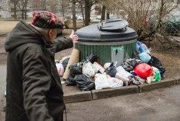 Jäätmekäitlus Tallinna moodi: Õismäe elanikud upuvad prügisse