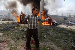OTSEPILT SÜNDMUSPAIGALT   Kabulis tappis plahvatus vähemalt 80 inimest, vigasaanuid on üle 350