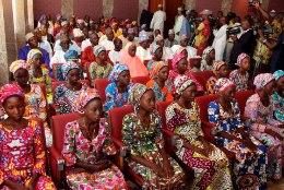 Nigeeria teeb terrorirühmitusega vahetuskaupa, päästes sellega 82 tüdrukut