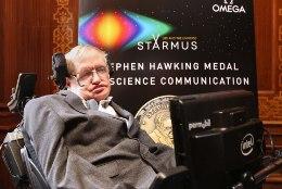 INIMKOND ON OHUS: tuntud astrofüüsik Hawking kiirustab inimesi Maalt lahkuma