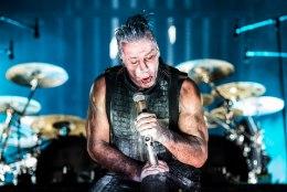 Rammstein on jahmatanud fänne nii pritsiva kunstriista kui ka pornoga!