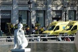 VIDEOD, FOTOD, OTSEBLOGI | Barcelonas sõitis kaubik inimeste hulka, hukkus 13 inimest, pärast keskööd toimus teinegi rünnak