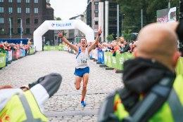 GALERII   Tallinna Maraton võideti võimsa rekordiga, Eesti sportlane püstitas Guinnessi trikirekordi!