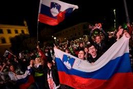 VIDEO | VÕIMAS! 20 000 inimest tervitas Ljubljana keskväljakul võidukat Sloveenia korvpallikoondist